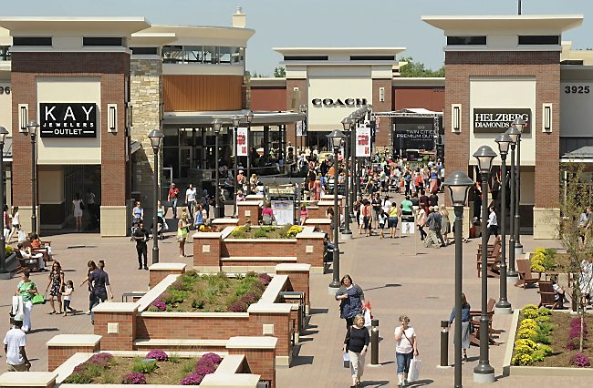 Twin Cities Premium Outlets in Eagan,  Mn. on Thursday, August 14, 2014.  (Pioneer Press: Scott Takushi)