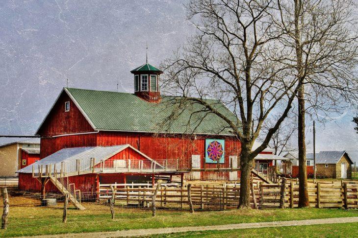 appleberry-orchard-barn